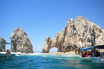 Cabo San Lucas Arch and epic scenery on Los Cabos boat tour